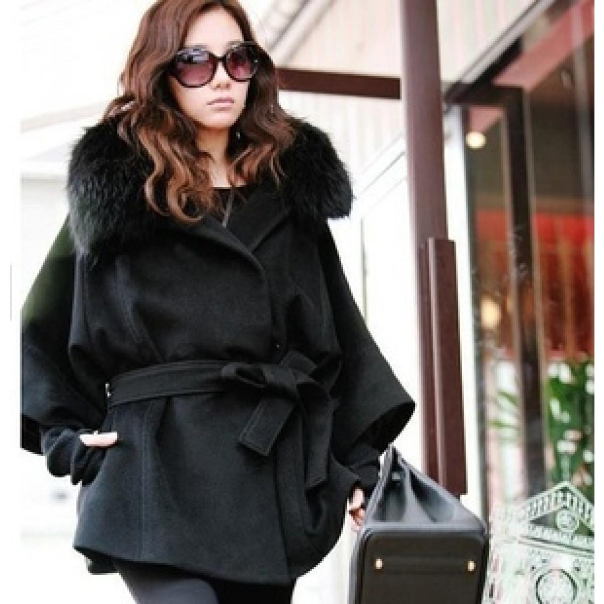 le manteau en fourrure pour femme. Black Bedroom Furniture Sets. Home Design Ideas