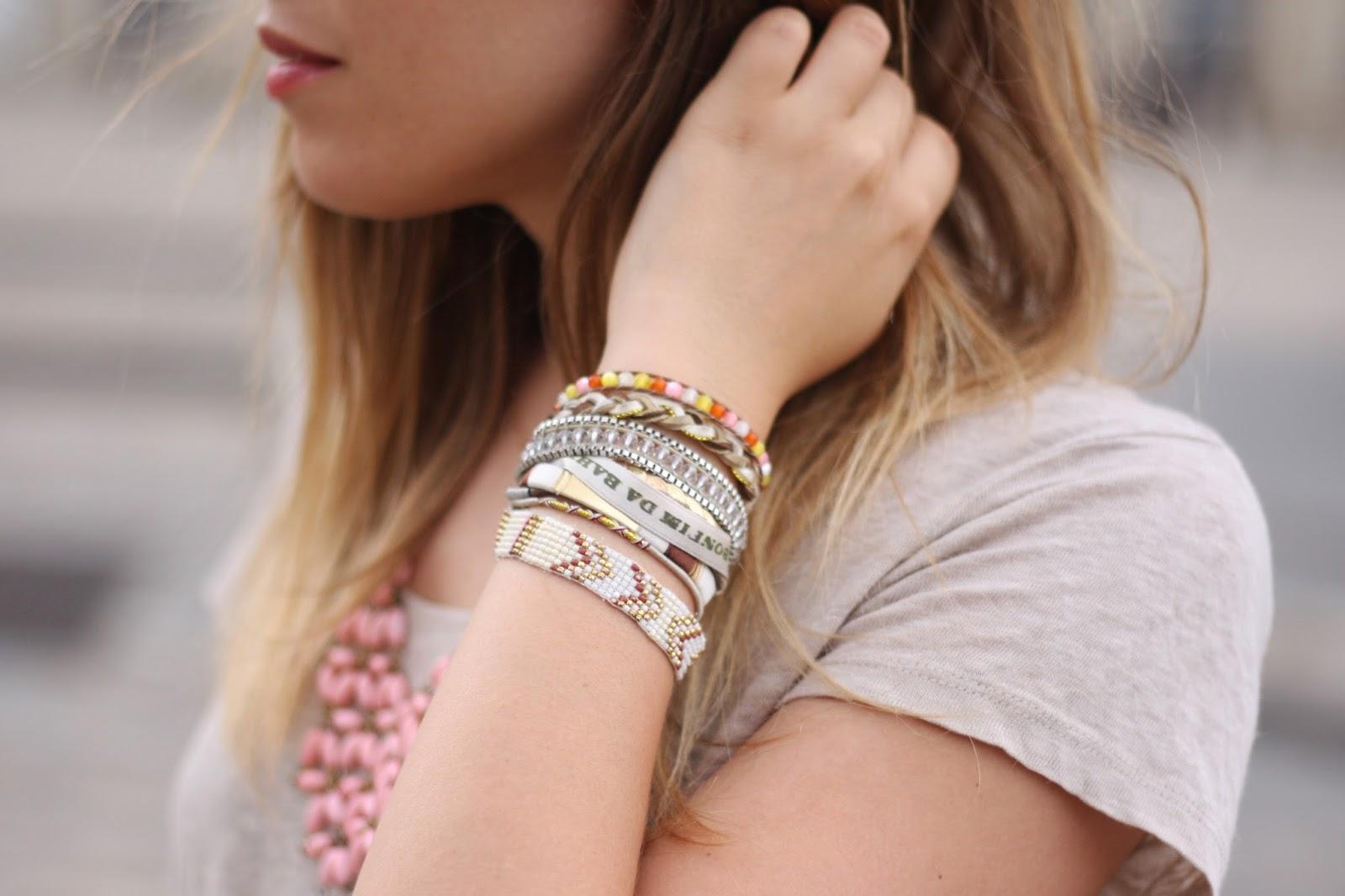Des bracelets : des accessoires essentiels pour l'été