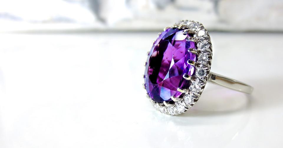 Comment et où vendre mes bijoux en diamant ?
