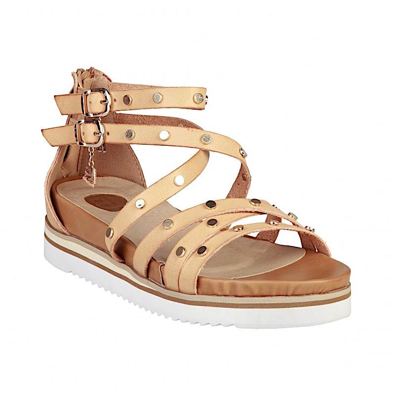 Avec quelles tenues porter des sandales à talons ?