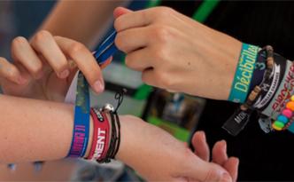 Retirons nos bracelets de festivals !