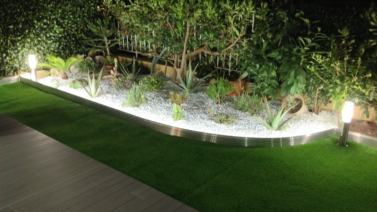 Délimitez vos plantations grâce à une bordure de jardin