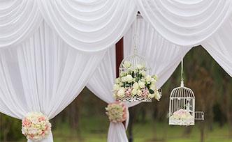 5 bonnes raisons de louer un barnum pour son mariage