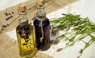 Les bienfaits de l'huile de serpent sur les cheveux et sur la peau