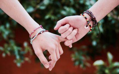 Conseils pour bien choisir un bracelet de perles pour un couple