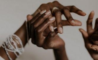 Des bracelets symboliques pour renforcer l'amitié